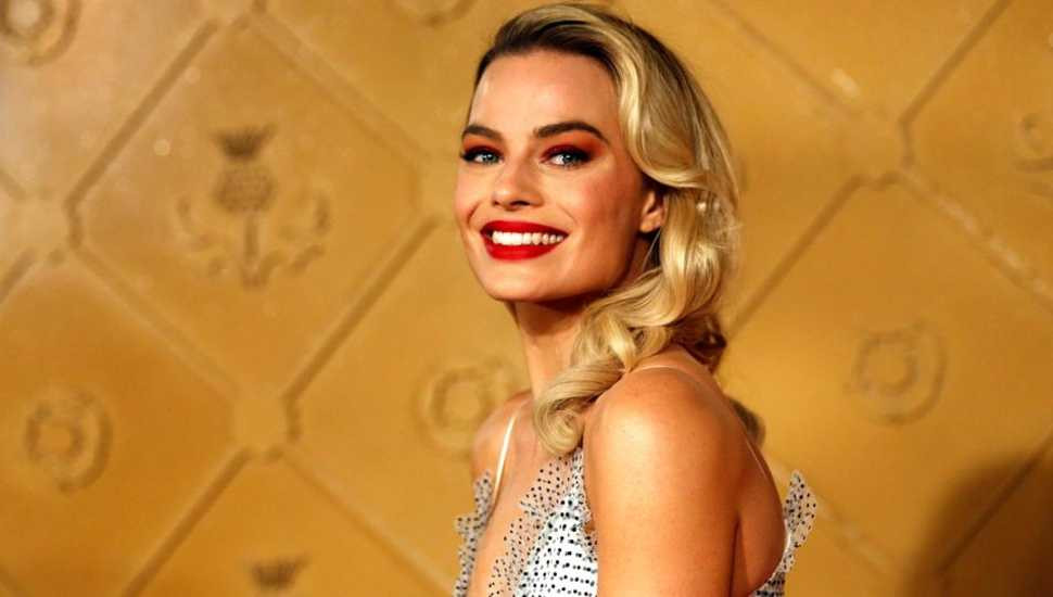 Margot Robbie to star in female-centric 'Pirates of the Caribbean'