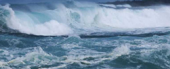 Strong winds and rough seas today; naval and fishing communities warned