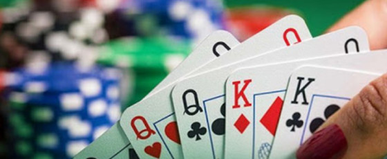 Excise bust Chinese gambling den in Col-3