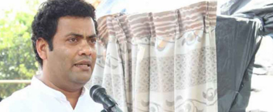 State Minister Indika Anuruddha meets with accident on Southern Expressway