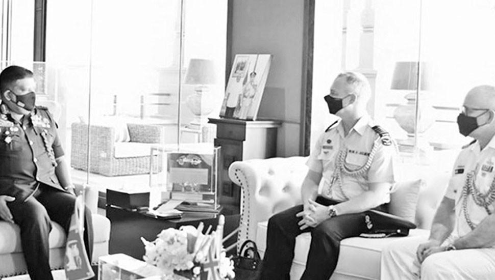 Outgoing, Incoming Aussie Defence  Advisers meet Army Chief