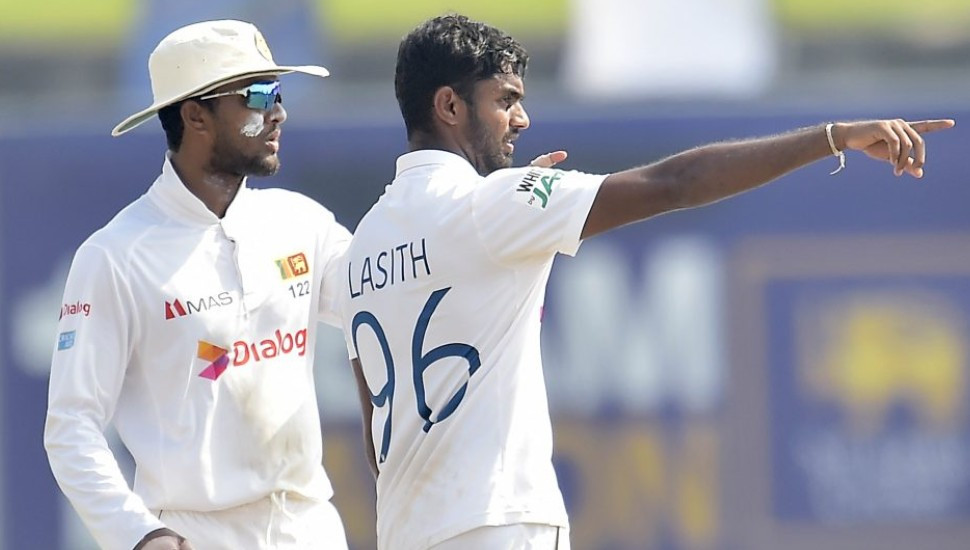 England secure 6 wicket win thanks to another SL batting collapse