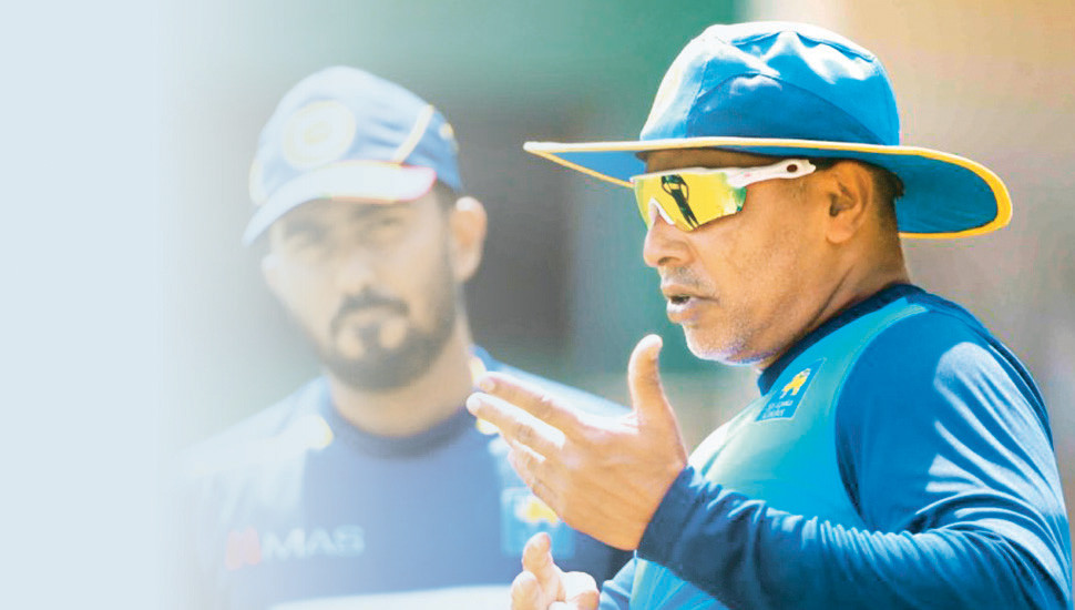 Vaas resigns as bowling consultant