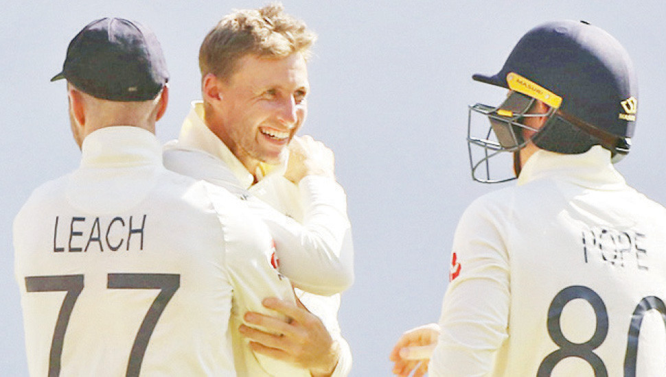 England pay price for pace-heavy attack on spinners' paradise