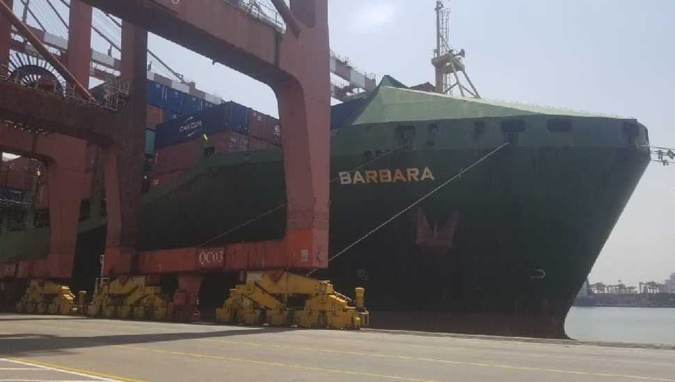 'Barbara' arrives at Colombo Port  to take away cancerous coconut oil