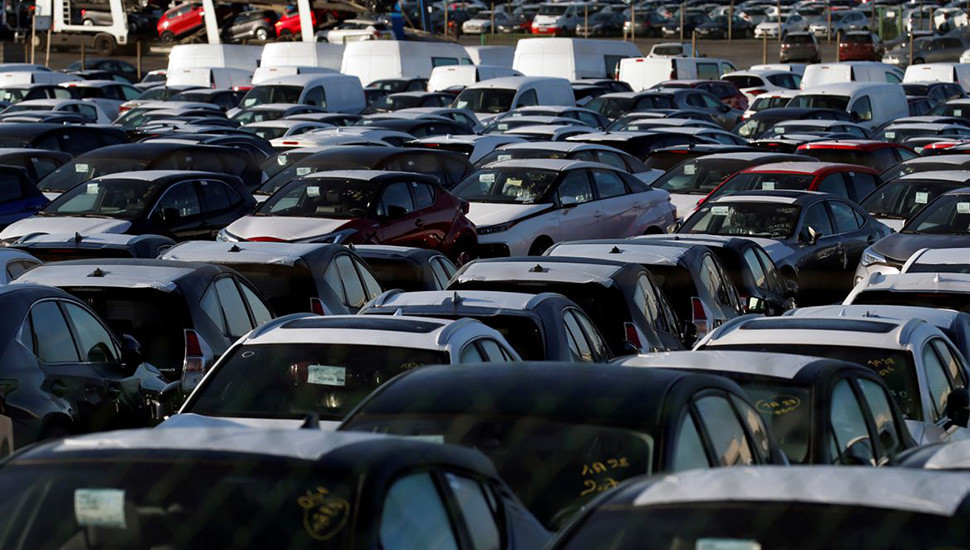 Global chip shortage, COVID-19 pandemic weigh on French car market rebound
