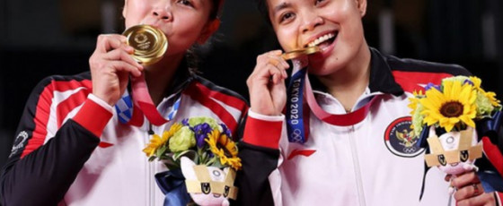 Polii and Rahayu win Indonesia's first women's doubles gold