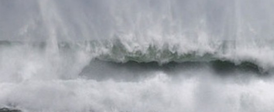 Warning for strong winds, rough seas