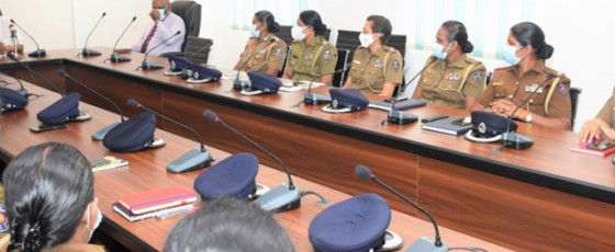 Minister Weerasekara meets female Acting DIGs and SSPs
