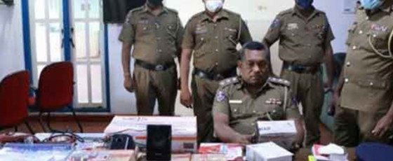 Three arrested in Trinco for robbing store